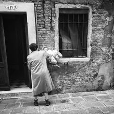 #iphonephotography #streetphotography #igfriends_veneto #igfriends_italy #igcapturesclub #gf_italy #euro_shot #igersvenice #igersveneto #igersvenezia #ig_veneto #ig_venezia #ig_venice #veneziaautentica #veneziaunica #venezia #venice #veneto #loves_venezia #loves_united_venice #loves_veneto #loves_venice #b #bnw #bnw_life #bnw_captures #blackandwhite #blackandwhitephotography #bianconero #biancoenero by 85principessa
