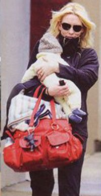 Cate Blanchett with her Il Tutto Baby handbag