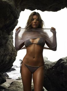 "Jessica Biel brings new meaning to the term ""beach body"""