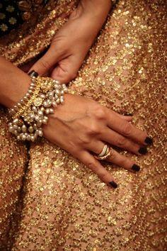 3 Best Clever Tips: Jewelry Trends Bracelets swarovski jewelry patterns. India Jewelry, Ethnic Jewelry, Pearl Jewelry, Gold Jewelry, Gold Necklaces, Stone Jewelry, Jewelry Rings, Jewlery, Dainty Jewelry