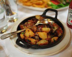 duck confit hash Duck Confit, Kung Pao Chicken, Ratatouille, Nom Nom, Favorite Recipes, Ethnic Recipes, Food, Essen, Meals