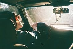 Let's go on a road trip. There are far better things ahead than any we leave behind. Foto Face, Ft Tumblr, Poses Photo, Roadtrip, Adventure Is Out There, Running Away, Film Photography, Hipster Photography, Strand