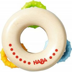 Haba 3299 - Roll Ring - Drewniany Gryzak z Kręgami dla Dzieci od 6 miesiąca Życia. Gryzak posiada 3 plastikowe kolorowe ruchome kręgi