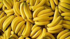 Banana health benefits related to weight loss. Truth, myths and health risks associated with banana health benefits. Nutritional factors of banana. Banana Nutrition Facts, Banana Health Benefits, Nutrition Guide, Como Plantar Banana, Open Pores On Face, Banana Contains, Dried Bananas, Eating Bananas, Health World