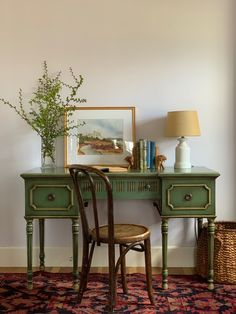 Beyond Plants: Adding the Color Green to Your Home — Trim Design Co. Vintage Room, Vintage Home Decor, Vintage Green, Vintage Desk Chair, Bedroom Vintage, Vintage Office Decor, Vintage Furniture Design, Patterned Furniture, Vintage Houses