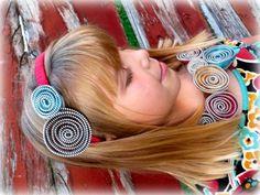 DIY Zipper headband and necklace!  http://www.theribbonretreat.com/blog/zipper-flower-necklace-and-headband.html