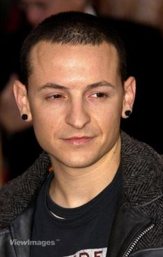 CHESTER BENNINGTON whatchu lookin' at my sweetie!?