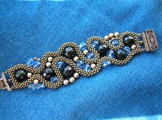 CRAW Bracelet very pretty