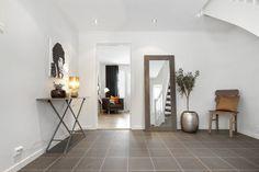 Inngangsparti Oversized Mirror, Zara, Furniture, Home Decor, Decoration Home, Room Decor, Home Furnishings, Home Interior Design, Home Decoration
