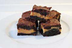 Chokoladekage med karamel,  færdig kage i stykker, marts 2013
