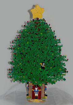Modular Christmas Park - Meet Santa! | Lego, Lego winter ...