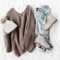 cozy-sweater-ootd-style- Flannel and sweaters cute preppy outfits http://www.justtrendygirls.com/flannel-and-sweaters-cute-preppy-outfits/