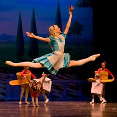 Alice in Wonderland Ballet?? I must see this! :O