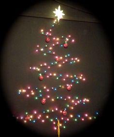 Ways of Decorating Your Home Using Christmas Lighting Ideas - MeCraftsman Wall Christmas Tree, Best Christmas Lights, Noel Christmas, Xmas Tree, Beautiful Christmas, Winter Christmas, All Things Christmas, Christmas Bulbs, Christmas Crafts