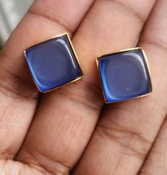 Beautiful blue vintage screw back earrings @ebay.com /Nawtee531