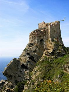 La Torre Vecchia in Gorgona Island, Italy (by sermatimati).