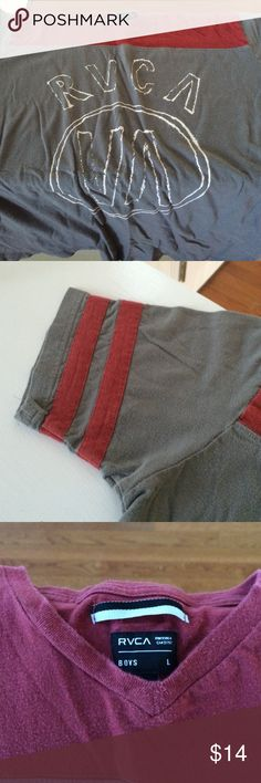Tshirt Fairly new no rips RVCA Tops Tees - Short Sleeve