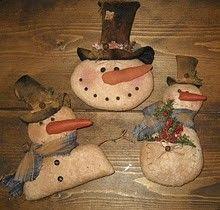 Primitive Snowman trio