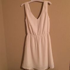 NWT White Tobi Dress NWT! White Tobi dress. Beautiful, elegant, simple. Tobi Dresses Mini