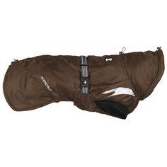 Summit-parkaen fra Hurtta er en enkel og effektiv måte å holde hundens kroppstemperatur jevn på i kaldt vær. Vinterjakken er utformet for å hjelpe korthårede hunder og hunder uten underpels med å holde varmen,