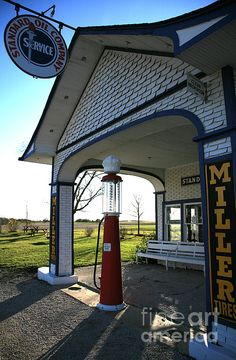 Standard Oil Gas Station in Illinois