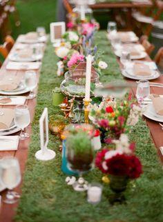 earthy table decor, grass runner