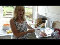 Jan shows how to cook chicken portions and chips in the halogen oven - YouTube