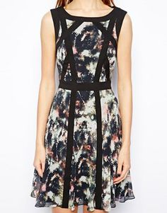 Image 3 ofKaren Millen Dress in Smudge Print