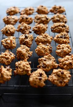 Healthy Breakfast Cookies Recipe : made with NO flour or sugar -- it's all just fruit and oats... based off from the Nutritarian Diet.
