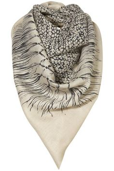 f59d0d319a4b neutral scarf  ) Foulard, Chapeau Avec Foulard, Chaussures Rouges,  Accessoires De Sac