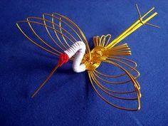 Mizuhiki Art | Colorful small mizuhiki knots are also attached to envelopes ...