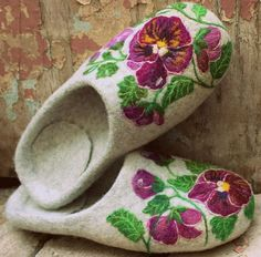 Hey, I found this really awesome Etsy listing at https://www.etsy.com/listing/198711315/felted-house-shoes-indoor-slippers-100