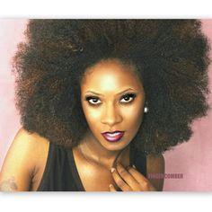 She's BRAND NEW! Introducing the FINGERCOMBER URBAN FRO Unit! #fingercomberunit #urban-frounit #urbanfro #naturalhair #naturalhaircommunity #teamnatural #teamnatural #henna #goodhairmagazine #luvyourmane #4chairchicks #naturallyshesdope #themanechoice #curlsistas #healthy_hair_journey #amazingnaturalhair #berrycurly