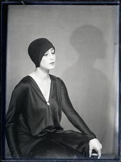 Nimet Eloui Bey vers 1930. Man Ray.