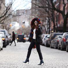 Pensar em um look para um dia de fashion week já dá um trabalhinho… imagine então se for para o dia mais frio do ano?? Nesse sábado as temperaturas que já estavam congelantes aqui em Nova York ficaram ainda mais, então não deu pra fugir muito do meu combo de ontem! Os eleitos foram esse …