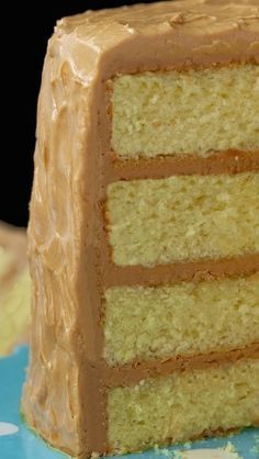 "Best Caramel Cake Recipe - Moist, tender, fabulous cake with a ""to die for"" icing!Best Caramel Cake Recipe - Moist, tender, fabulous cake with a ""to die for"" icing! Cupcakes, Cupcake Cakes, Cupcake Icing, Buttercream Frosting, Just Desserts, Dessert Recipes, Carmel Desserts, Bon Dessert, Food Cakes"