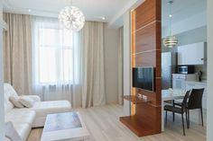 Térelválasztó kis lakásban nappali és konyha között - Modern fa blokk, mely polc, TV fal és térelválasztó egyben konyha és nappli között, nyitott...