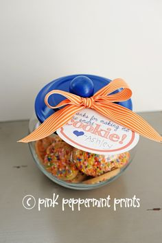"""FREEBIES/DIY Gift Ideas: Teacher Appreciation Week Free Printables """"Thanks for making me one smart cookie"""" and handmade cookie jar » Pink Peppermint Prints and Parties"""