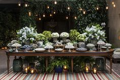 MARIANA BASSI FLORES & EVENTOS - Fornecedores - Constance Zahn | Casamentos Wedding Reception Centerpieces, Wedding Decorations, Table Decorations, Wedding Ideas, Here Comes The Bride, Luau, Wedding Events, Weddings, Pretty Flowers