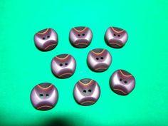 """(8) 3/4"""" DECORATIVE PURPLE TONES PLASTIC 2-HOLE BUTTONS VINTAGE LOT (N968)"""