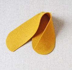 Quer saber como fazer um lindo sapatinho de feltro para crianças? Confira um passo a passo bem facinho aqui no Pedaço de Sonho ;)