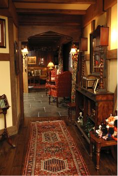 Reminds me of a hobbit home - Moderne Ideen English Cottage Interiors, English Cottage Style, English Country Cottages, English Country Decor, English House, English Cottage Decorating, Cotswold Cottage Interior, French Country, English Library