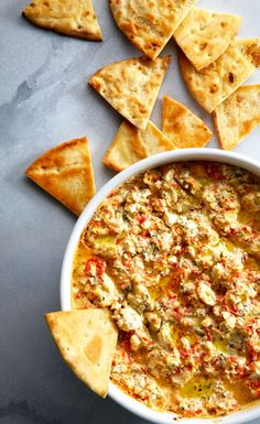 This dip has pep — red peppers, that is, plus feta cheese. Recipes Appetizers And Snacks, Appetizer Dips, Yummy Appetizers, Dip Recipes, Light Recipes, Cooking Recipes, Greek Recipes, Feta Cheese Recipes, Cheese Dips
