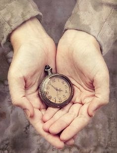 In His hands, in His time. Pocket Watch Drawing, Hand Fotografie, Bild Girls, Giving Hands, Johann Wolfgang Von Goethe, Hand Photography, In His Time, Somewhere In Time, Hand Reference