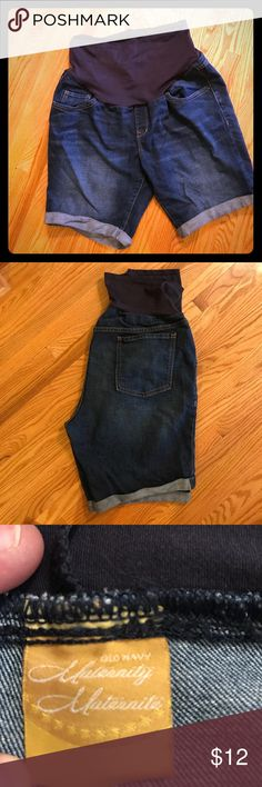 Old Navy Maternity Shorts Full Panel Size 16 So hard to find long maternity shorts! I wore them a lot, but still in excellent condition. Size 16, but I normally wear 12/14, and they fit well. Old Navy Shorts Jean Shorts