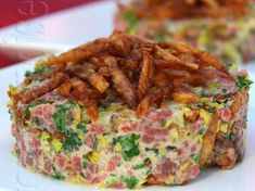 Tartare de boeuf Low Carb Keto, Quiche, Sushi, Chicken, Breakfast, Food, Camping, Cooking Recipes, Cooking Food