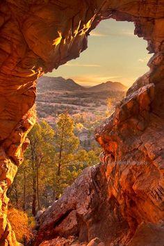 Windows of nature // Warraweena Sunset, Flinders Ranges, Australia Beautiful World, Beautiful Places, Australia Travel, Australia Photos, Auckland, Brisbane, Beautiful Landscapes, Wonders Of The World, Places To See