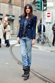 Casual Chic. Emmanuelle Alt, French Vogue Editor-In-Chief, as of Feb, 1st, 2011.