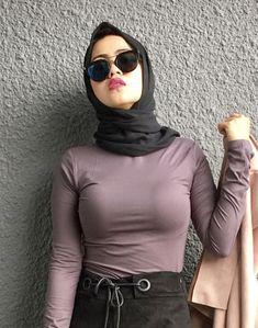 Pin Image by Bunda Hijaber Muslim Fashion, Hijab Fashion, Girl Fashion, Womens Fashion, Beautiful Hijab Girl, Beautiful Muslim Women, Arab Girls Hijab, Muslim Girls, Hijabi Girl