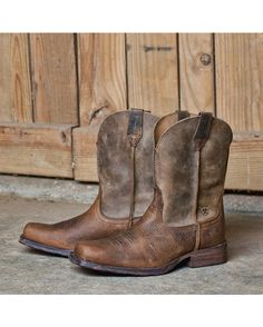 Ariat Men's Rambler Square Toe Boot - Earth  http://www.countryoutfitter.com/products/28169-mens-rambler-square-toe-boot-brown-bomber #westernboots